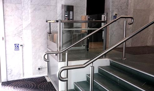 Acensa platform wheelchair lift