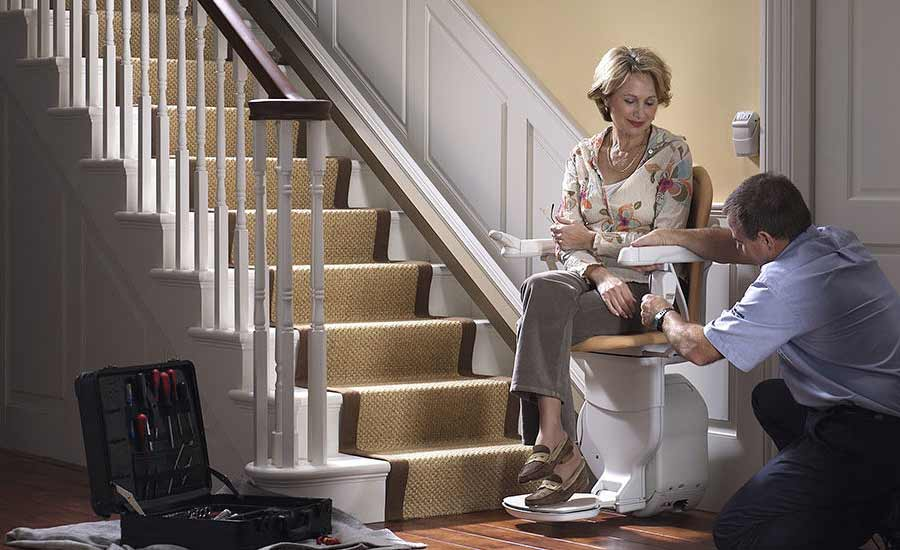 Benefits of installing a stair lift at home or in a public place?
