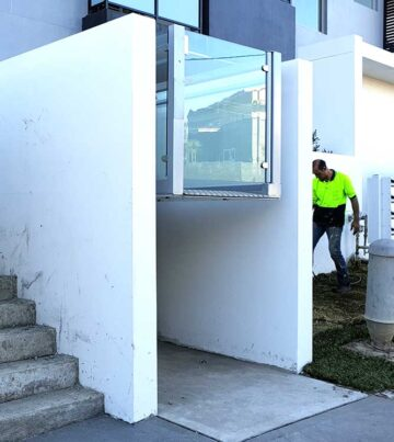 Wheelchair lift RB150 NSW