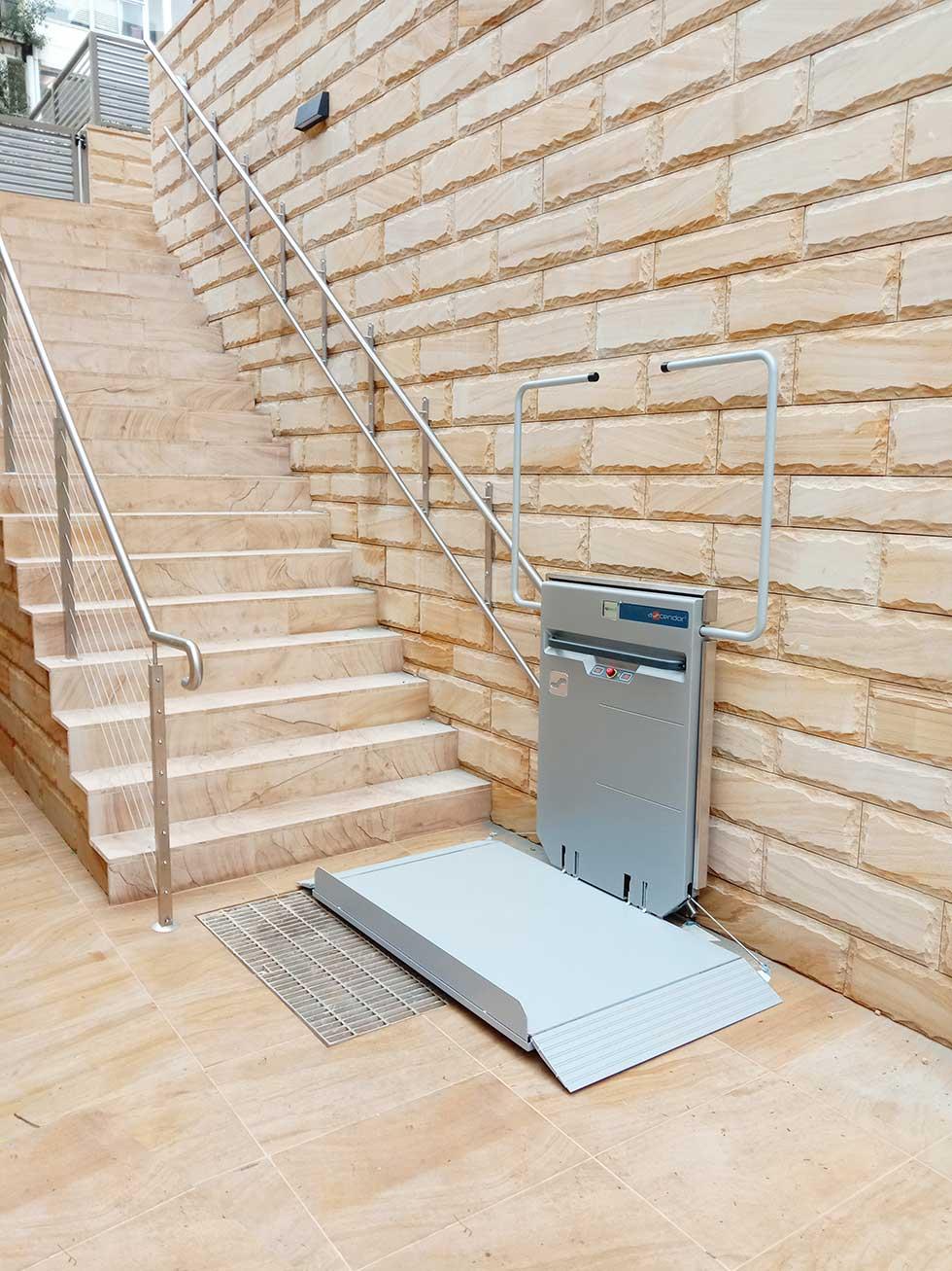 Ascendor Wheelchair Lift PLG7