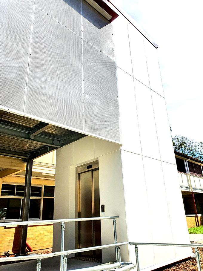 X19-Commercial-lift-Brisbane