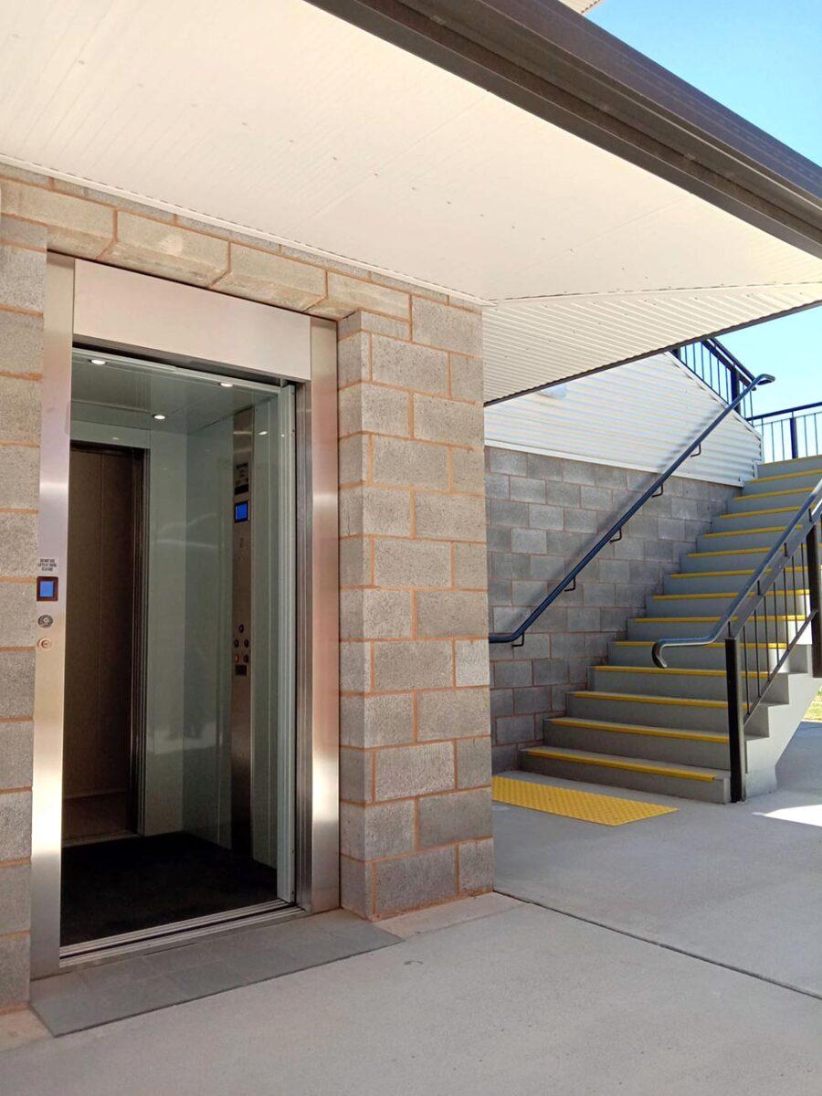 commercial lift leeton nsw