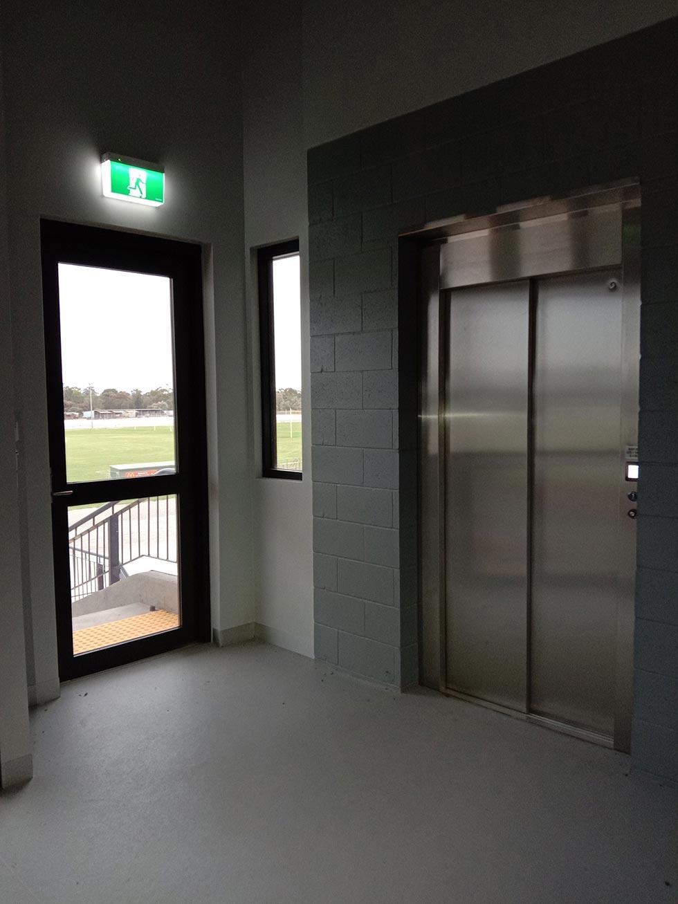 commercial lift leeton nsw 2