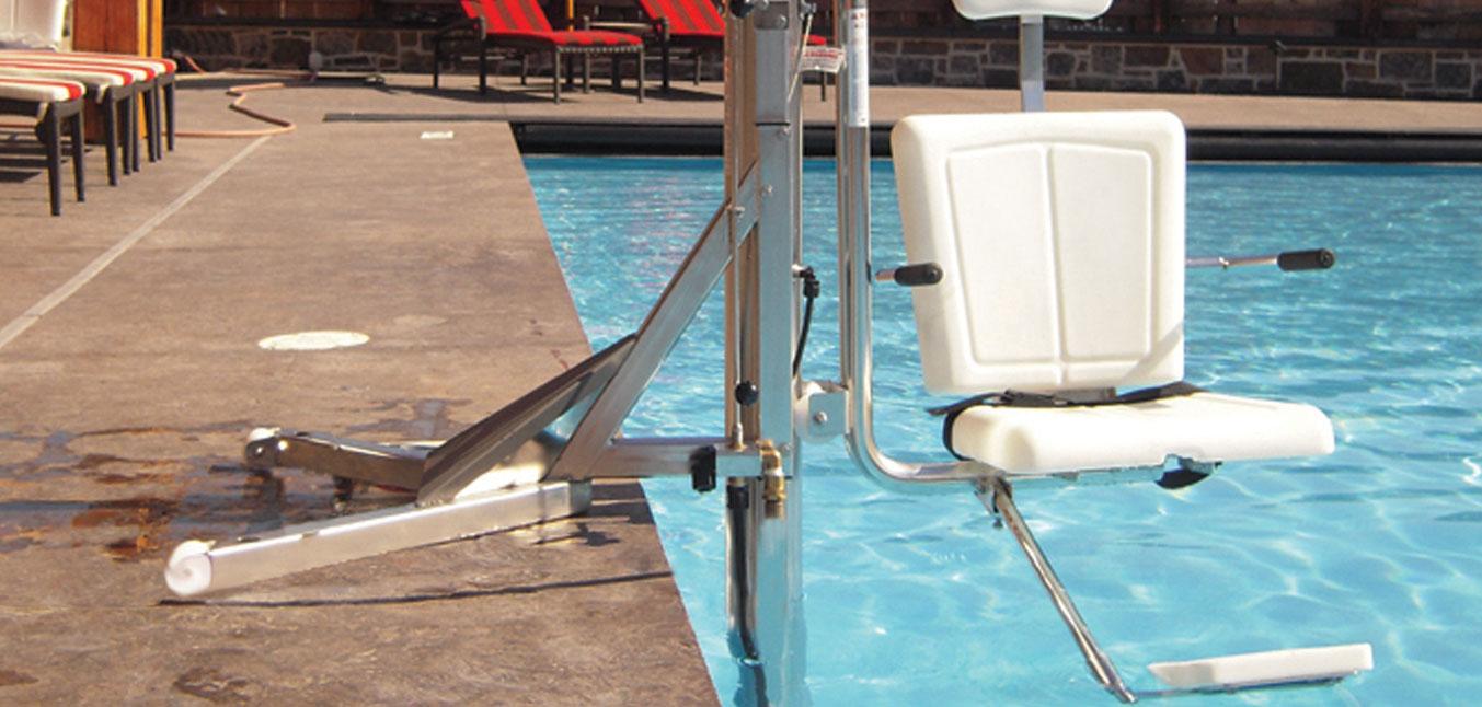 lolo pool banner
